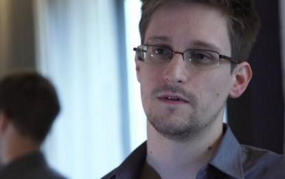 Snowden solicita asilo político en Ecuador