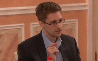 Agentes temen que Snowden almacene información ultrasensible para proteger su vida