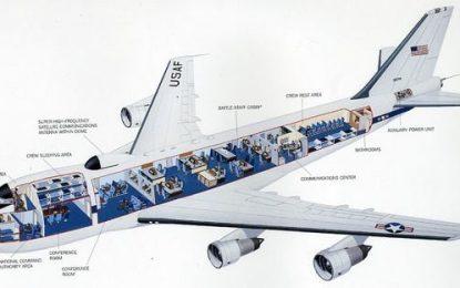 Cómo es el avión especialmente equipado para proteger a Donald Trump en caso de una guerra nuclear